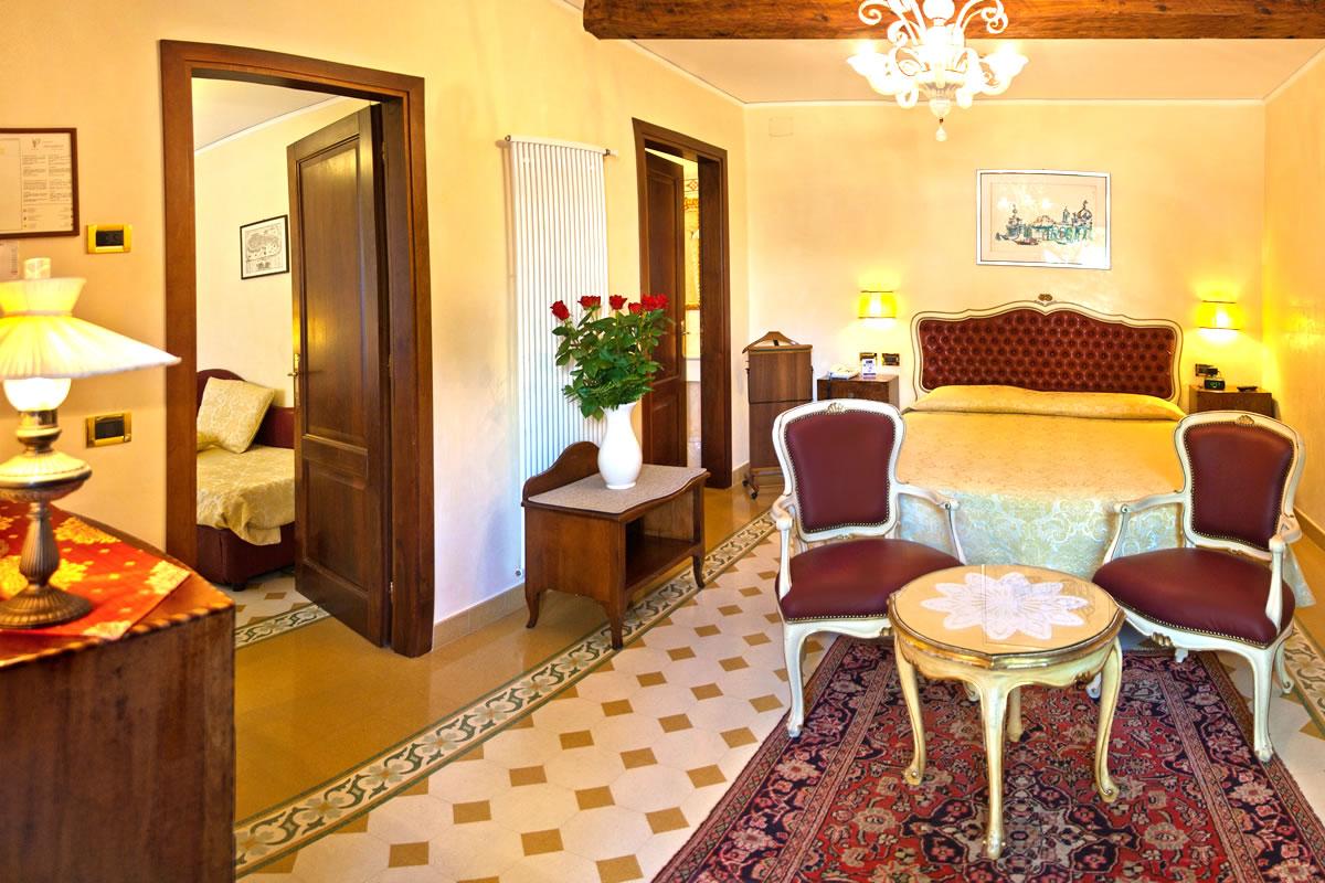 Suite Junior vista al jardin Hotel Pensione Accademia Venezia