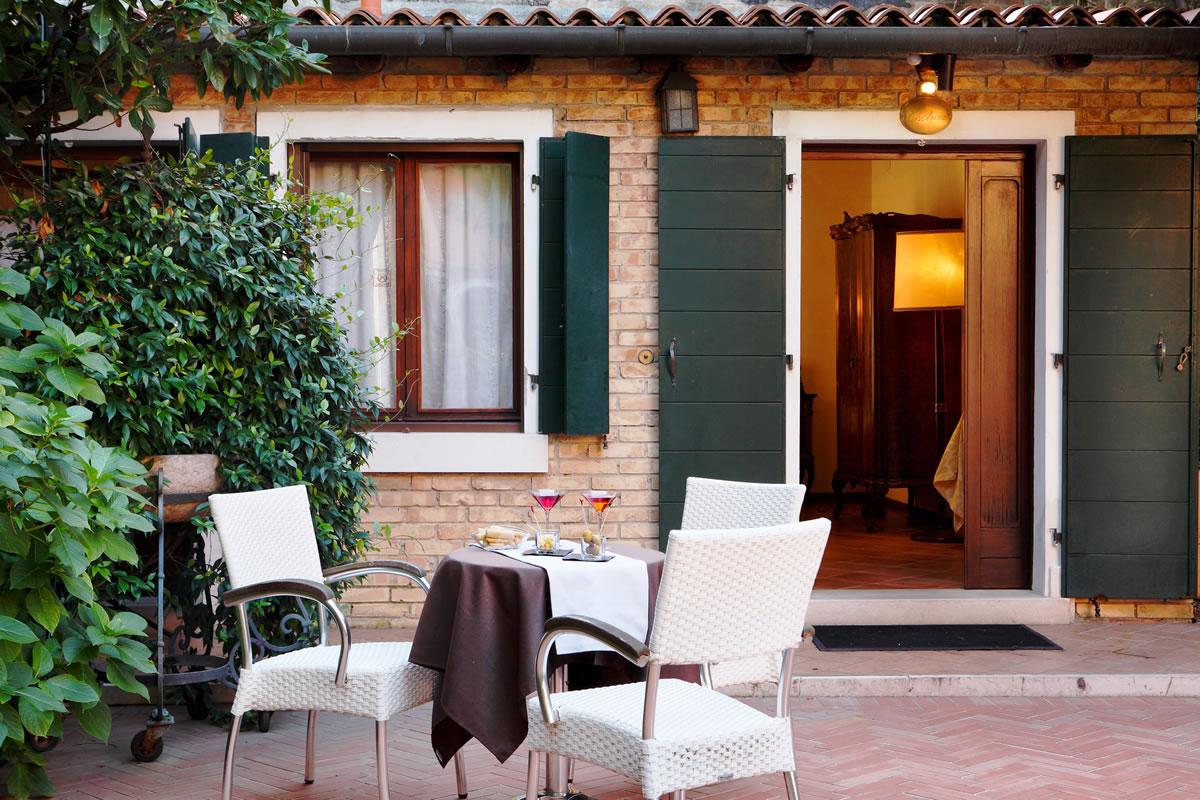 Junior Suite garden view Hotel Pensione Accademia Venezia