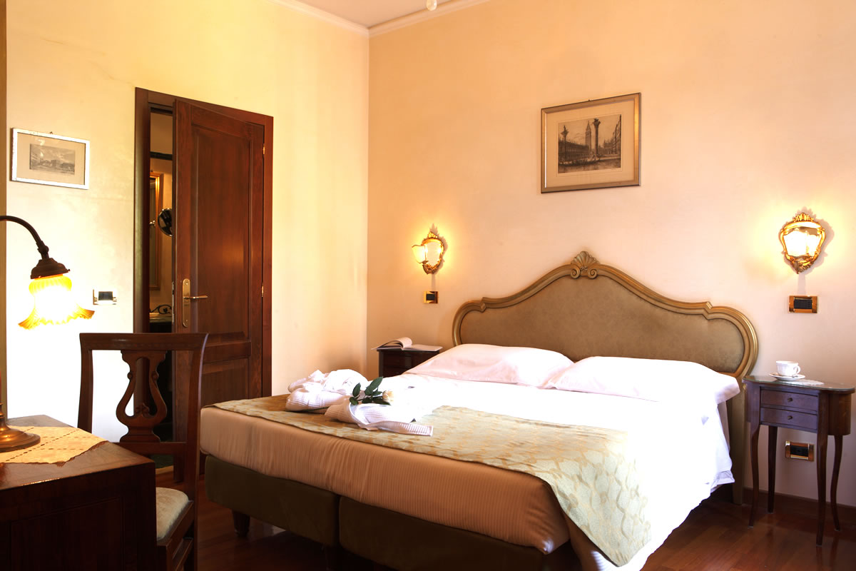 Junior Suite blick auf den Garden Hotel Pensione Accademia Venezia